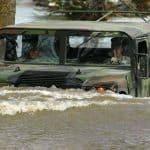 Hummer H2 offroad