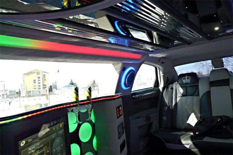 limousine k ln mieten f r den letzten tag in freiheit. Black Bedroom Furniture Sets. Home Design Ideas